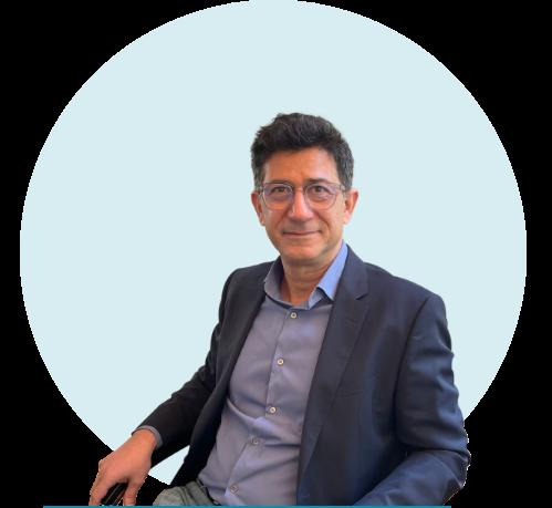 Das Bild zeigt den Unternehmer und Gründer Vahid Djamei.